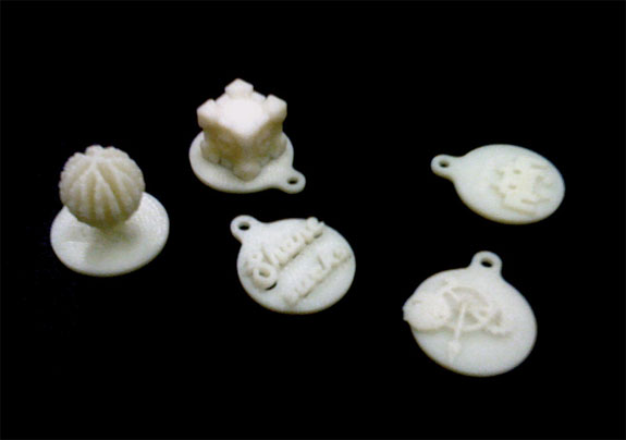 Samples of pendants 3D printed by Crticial Making workshop participants